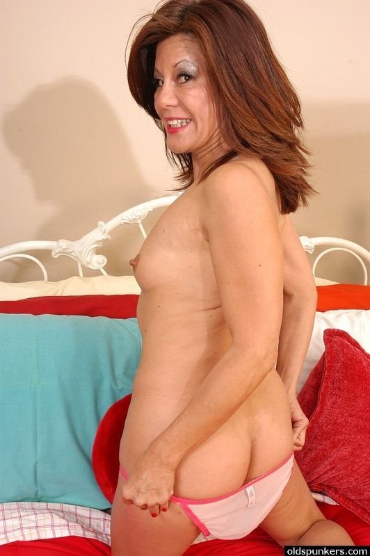 mature wife strapon holly