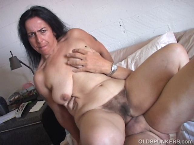 image Horny old spunker enjoys a hardcore fucking and a facial